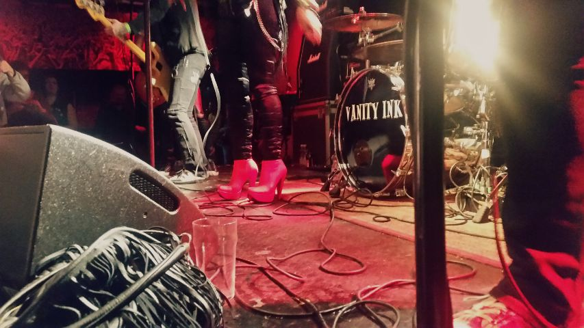 rock rocknroll shoes red gig