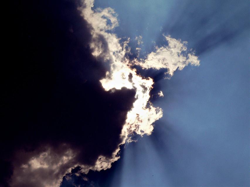 Vivimos al borde de los sueños #photography  #sky #art #nature