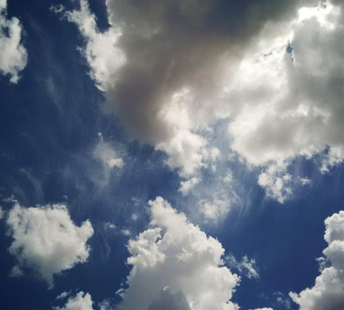 The lovely sky in Jakarta, today *mashaallah ☁🌞