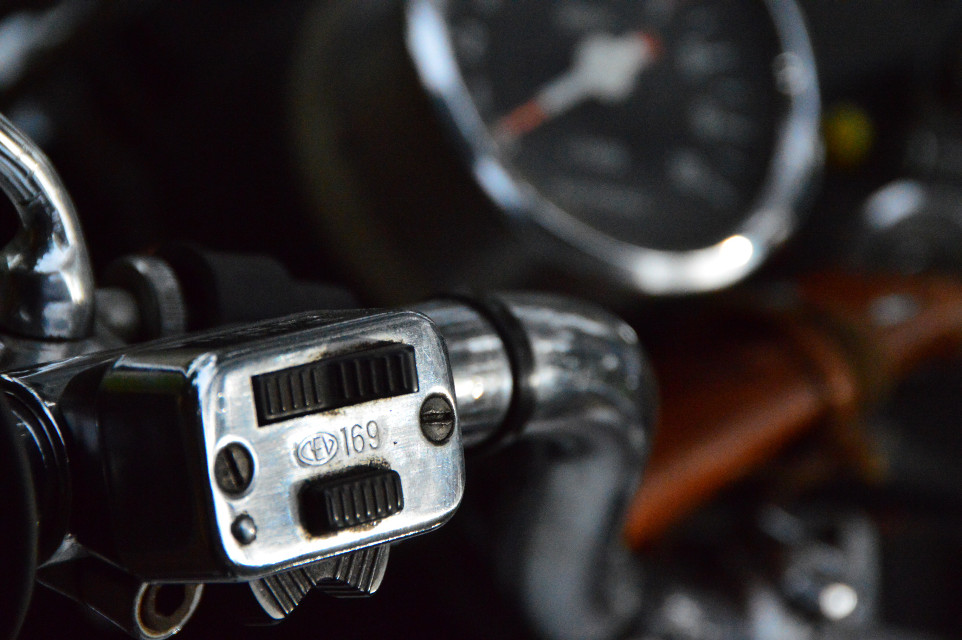 #details #switch #motorcycles #guzzi
