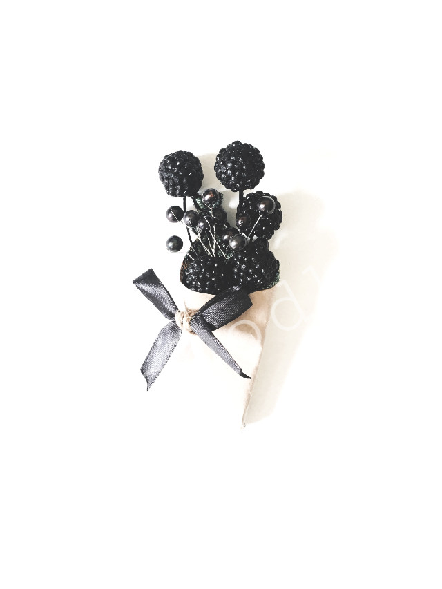▪️My new brooch/boutonniere ▪️#FreeToEdit #boutonniere #black #balls #berry #pearl #vobodke #       #interesting #art #lifestyle #style #creative #russia #birthday #wedding #minimalism #blackandwhite #vobodke