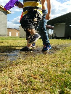 summer toddlers puddles waterdrops photography
